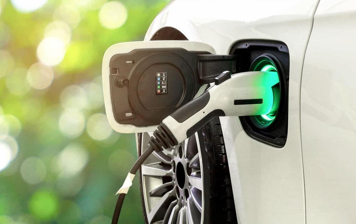 Nicola Ciolini - Niente bollo per i veicoli elettrici e full hybrid